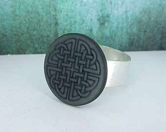 Ring • celtic knot • silver black frosted