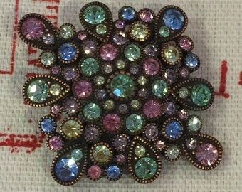 A Very Beautiful Multi Colored Multi Stone Vintage Costume Jewelry Brooch Pin