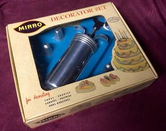 Vintage Baking Decorator Set - Mirro
