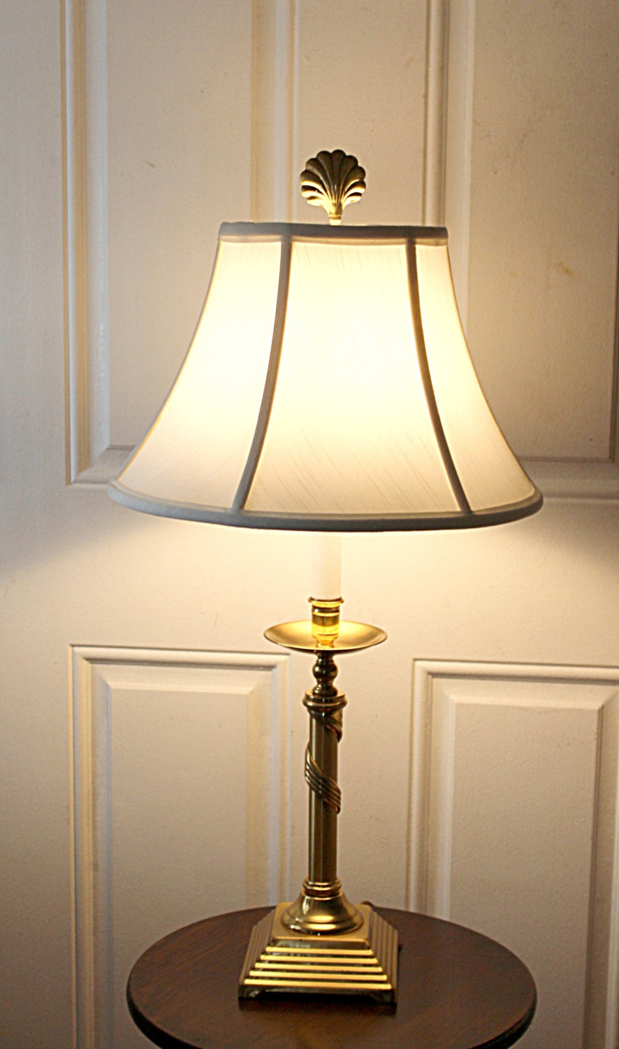 vintage solid brass table lamp white shade by queenieseclectic. Black Bedroom Furniture Sets. Home Design Ideas