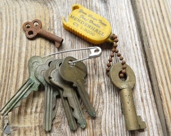 7 Assorted Old Keys - Vintage Skeleton Keys, House keys, car keys Found Objects Mixed media, Assemblage