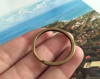 10pc round bronze key ring  28mm