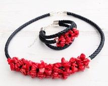 Chunky Gemstone Leather Necklace Bracelet Set-Statement Boho Choker Necklace-Black Red Necklace Bracelet Set-Red Coral Necklace Bracelet-