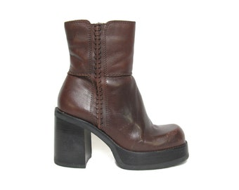 90s Brown Leather Platform Boot - Chunky Boot - 90s Does 70s Boot - Chunky Platform - Motorcycle Boots - Size 38 EU - Leather Ankle Boots