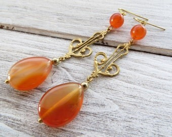 Orange agate earrings, dangle earrings, art decò style earrings, vintage style earrings, gemstone jewellery, golden filigree jewelry, bijoux