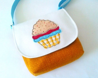 Cupcake shoulder  bag - Handmade bag with cake applique - Handmade fabric purse - Handmade bag with cupcake
