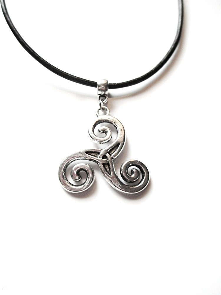 celtic silver triskele necklace choker silver wolf