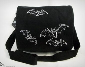 flying bats - shoulder bag
