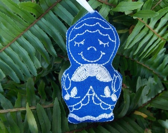 Christmas ~ Holiday ~ Ornament ~ Gift Traditional Russian Style Mamushka~ Matryoshka Machine Embroidered on Royal Blue Linen in White