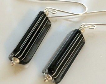 Black and White Venetian Glass Earrings / Murano Glass / Striped Glass Earrings / Sterling Silver Earrings / Modern Look