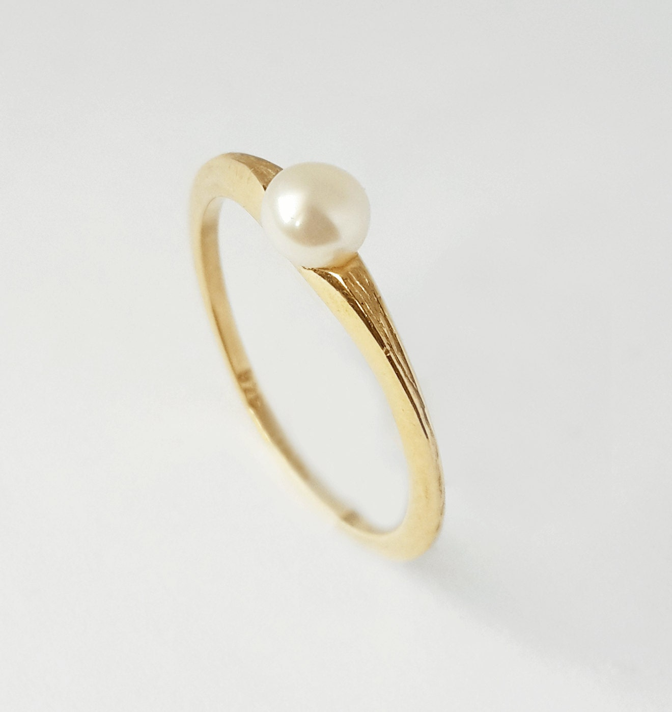 gold pearl ring white pearl ring in 14k gold unique