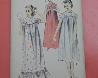 Advance 7819 Vintage 1950's nightgown pattern Size 14