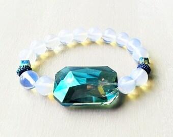 Sea Opal Bead Bracelet with Iridescent Teal Crystal Pendant//Sea Opal Stretch Bracelet//Bracelet with Pendant