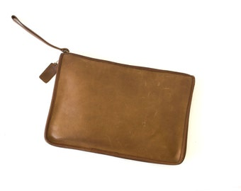 Vintage Coach Large Leather Clutch // Tan Brown Distressed Leather Bag