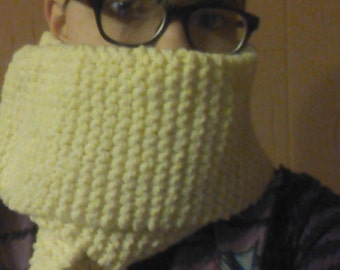 Light Yellow Knit Scarf