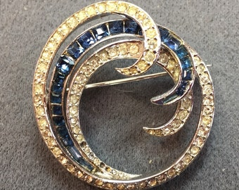 Ciner Circle Brooch-as is.  Free shipping