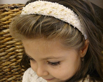 Bridal headband, hairband, wedding accessories with pearls and cristals.