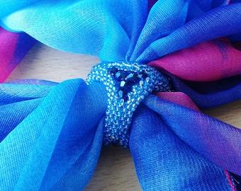 Brooch-clip headscarf