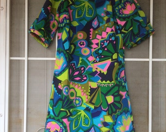 1960s pshyodelic abstract multicolored floral short sleeved dress size small 60s maybe 70s Phil Rose california