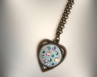 Fantastic costume jewellery necklace with swarovski elements Crystal clay and perfect for any occasion!