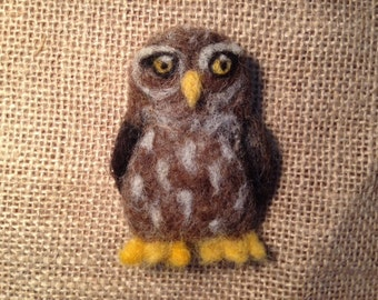 Owl brooch - needle felted owl badge - animal jewellery made from 100% wool