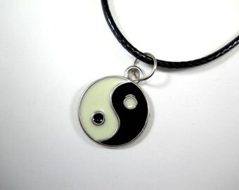 Yin Yang Pendant Necklace, Zen Pendant Necklace, Spiritual Jewelry, Eternity Necklace, Gift for Men, Men's Necklace, Women's Necklace