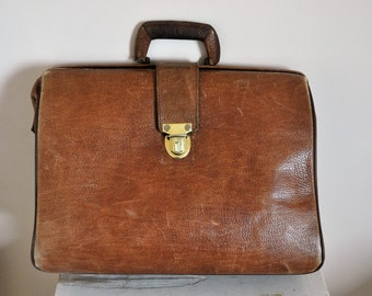 Distressed Leather Messenger Bag - Authentic Vintage 1950's Brown Leather Doctor Bag / Briefcase