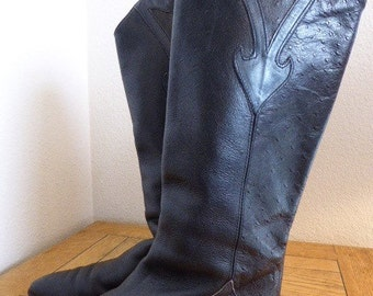 Vintage Womens Black Leather Knee Boots Made In Italy - UK Size 4 - Lovely!!