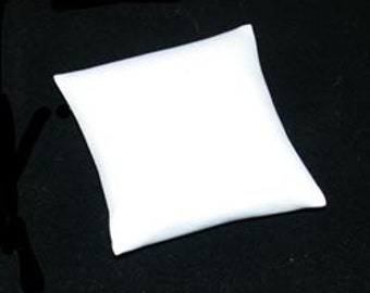 """White Leatherette Pillow for Watches or Bracelets 3""""x3"""" (Pkg of 5)  (DIS6130)"""