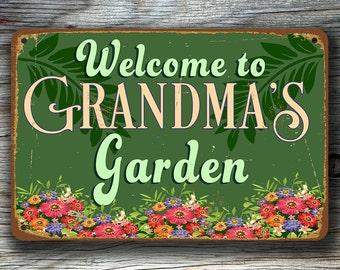 GRANDMAS GARDEN SIGN, Grandmas Garden Signs, Vintage style Grandmas Garden Sign, Grandmas Garden , Grandma Gift, Gift for Grandma, Grandma