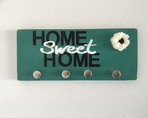 Home sweet Home, wood sign with knobs, key holder, coat rack, hat rack, home decor, shabby chic, Home sweet home sign, housewarming gift