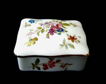 Collectible Hammersley Floral Pattern Trinket Box   Ring Box   Pendants    Earring   Storage