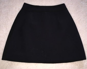Black neoprene mini skirt / medium