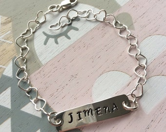 Customizable bracelet in sterling silver.