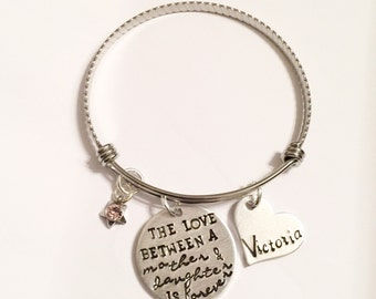 Mother's bracelet - Love between mother and daughter - Custom jewelry - Mommy jewelry - Hand stamped bracelet for Mother - Gift for mom