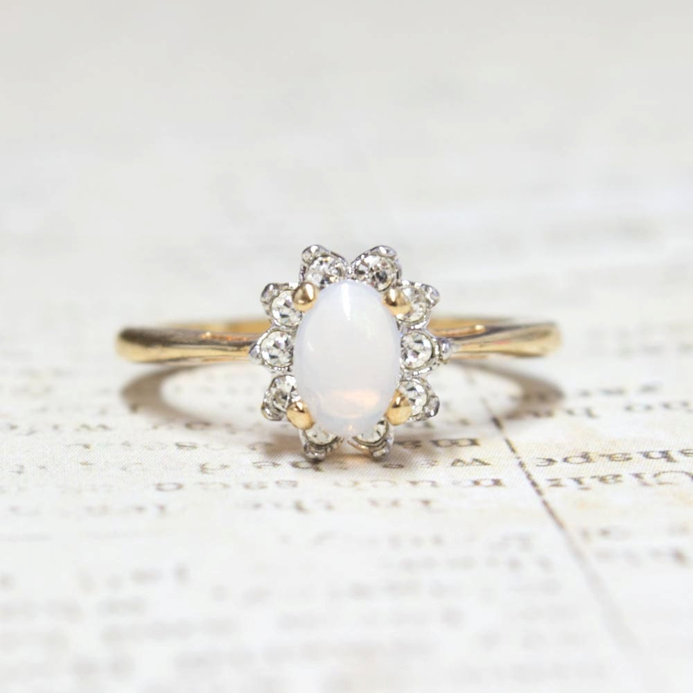 Vintage Genuine Jelly Opal ring with Clear Austrian Crystals