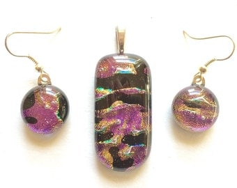 Gorgeous Pink, Gold & Black hints of Green 12mm Fused Dichroic Glass Dangle Earrings, matching Pendant set. SHIMMERING colored reflections