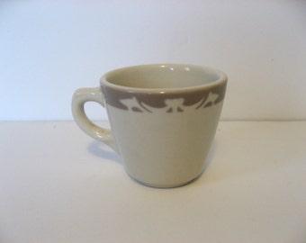 vintage Syracuse china restaurant ware diner mug. Heavy ironstone mug Nutmeg pattern tan airbrushed on white.