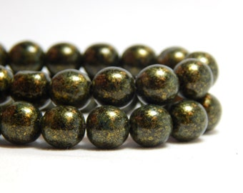 8mm Forest Green Czech Beads, Round Green Beads, Dark Green Beads, 8mm Beads, 8mm Glass Beads, 8mm Czech Beads, 8mm Green Beads,  T-2D