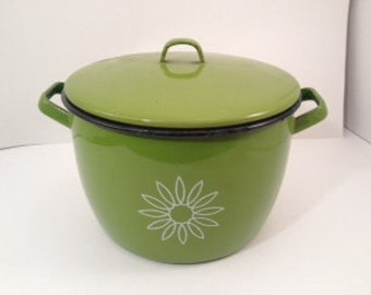 Vintage Enamel Pot - Enamel Pot - Green Enamel Pot - Pot with Lid - Green Pot - Vintage Enamelware - Enamelware Pot - Pot - 3 Quart Pot