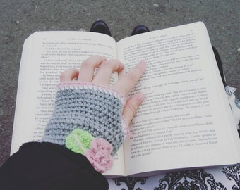 Crochet Floral Fingerless Gloves in Grey and Pink