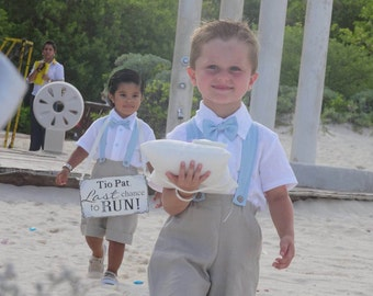 Ring bearer outfit: natural linen shirt,shorts,suspender and bow brooch