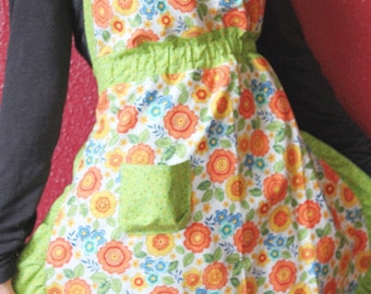 Kitchen aprons, cooking apron, womans aprons, womens apron, full apron, ladies apron, retro apron