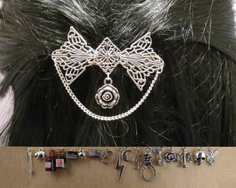 Shakespeare 60 mm filigree barrette with the charm of your choice.