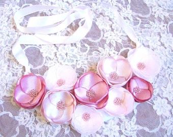 Boho Wedding necklace Statement necklace Floral necklace Pale pink flowers Floral bib necklace Pink flowers necklace Pale pink necklace