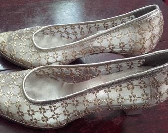 1960's gold mesh pump Saks Fifth Avenue Fenton Last brand shoes