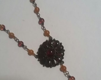 VINTAGE NECKLACE Amber colored