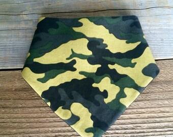 Camouflage bandana bib, camo bib, camouflage baby bib