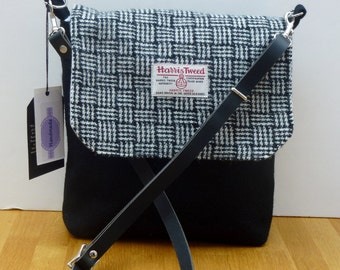 Harris Tweed small Messenger Bag