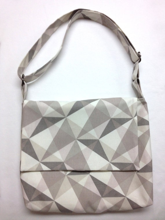 The 50 Shades of Triangles: Messenger Bag (Gray Geometric Triangle Print)